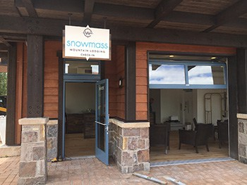 Snowmass Mountain Lodging Front Desk